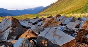 Saimaloo-kalliopiirroksista mureni iso osa lähes täsmälleen kuusi vuotta sitten (20.7.2011) tapahtuneessa maanjäristyksessä