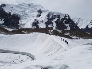 Kapuajat Inylcheckin jäätiköllä. Kuva: Suvi Aarnio